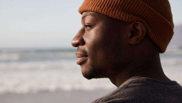 uomo di colore